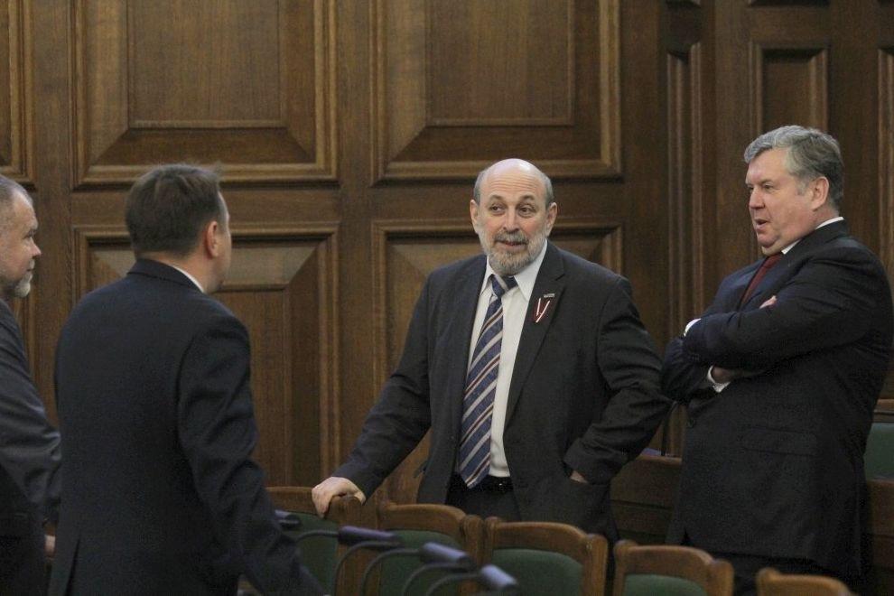 Депутаты от партии «Согласие» Янис Урбанович и Борис Цилевич.
