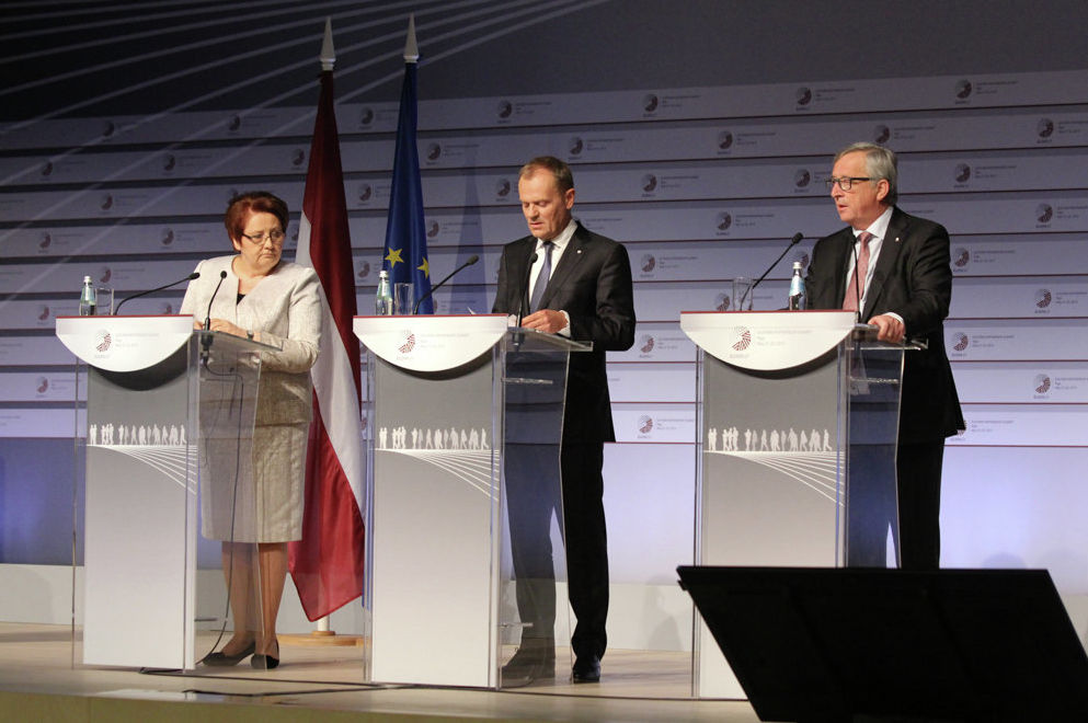 Лаймдота Страуюма, Дональд Туск и Жан-Клод Юнкер.