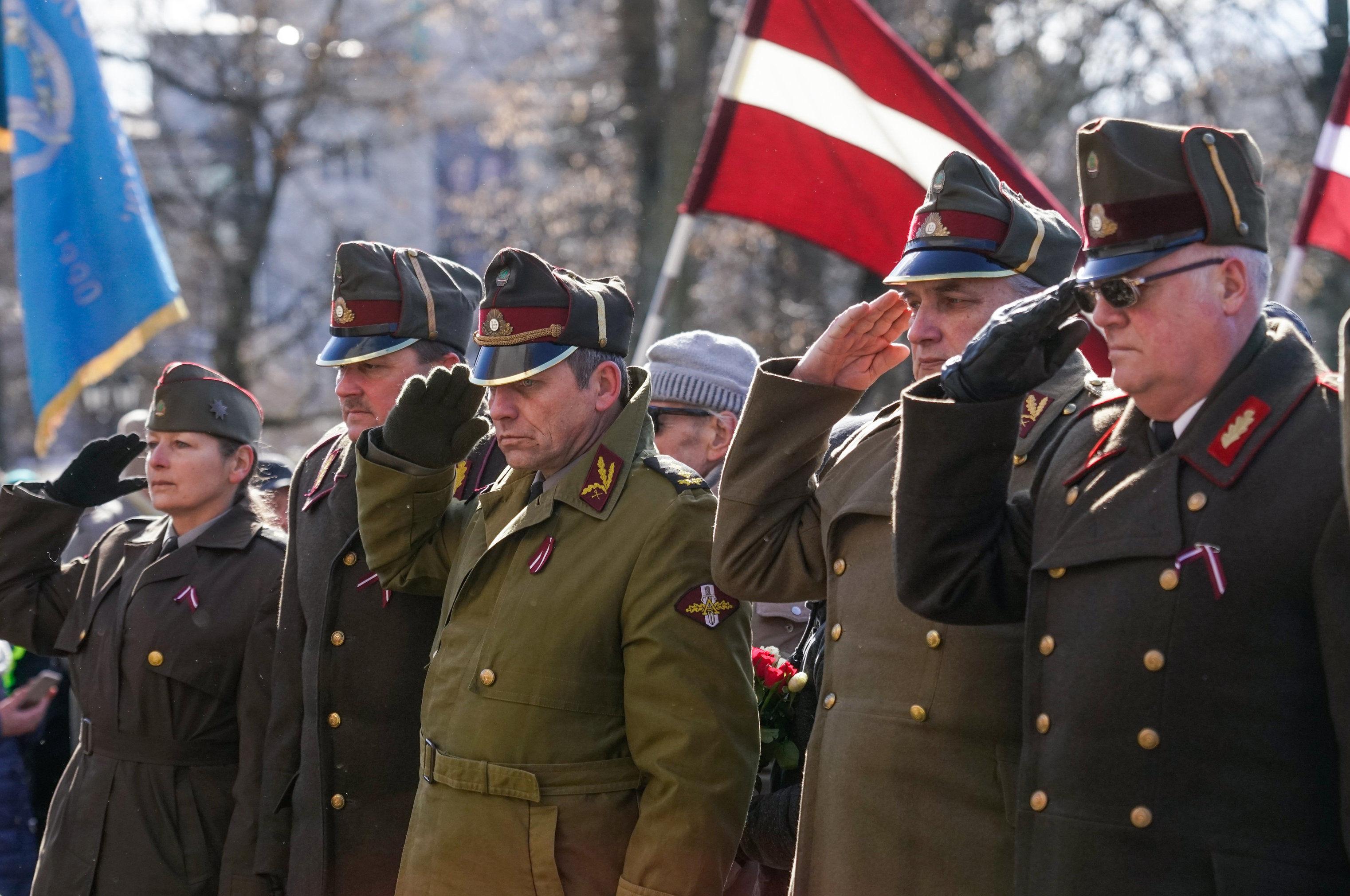 """Марш бывших латышских легионеров """"Ваффен СС"""" в Риге"""