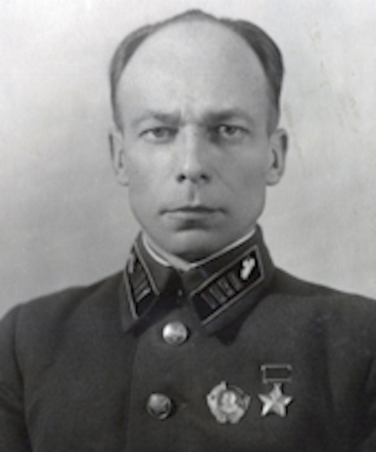 Полковник Арман Поль Матисович