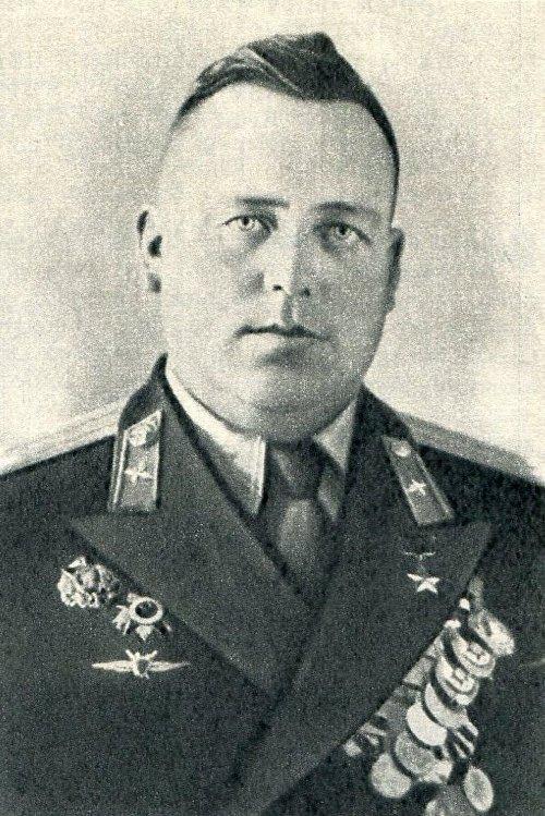 Советский лётчик Александр Добкевич